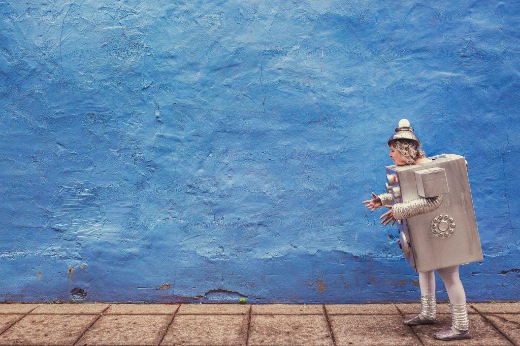 Damit man mit den Robotern Schritt halten kann, braucht es Weiterbildung. (Bild: Ryan McGuire under CC)