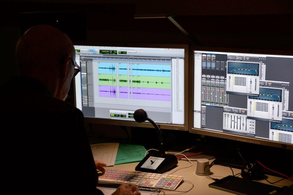 Das Schnittpult im Tonstudio, in dem die Klubschul-Podcasts produziert werden.
